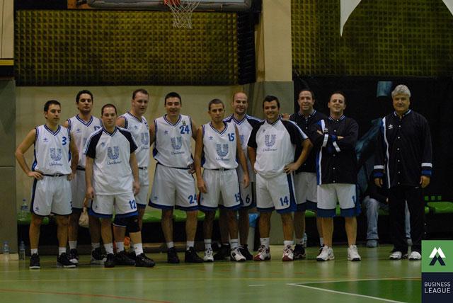 Business League e katılan Unilever basketbol takımı
