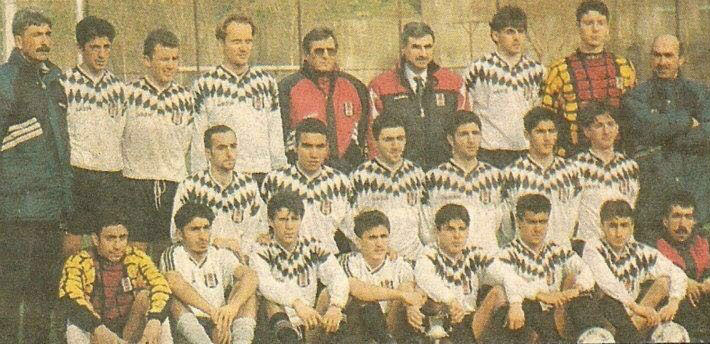 1995-1996 sezonu Beşiktaş altyapısı futbolculuk yıllarından, orta sırada soldan üçüncü. Fulya.